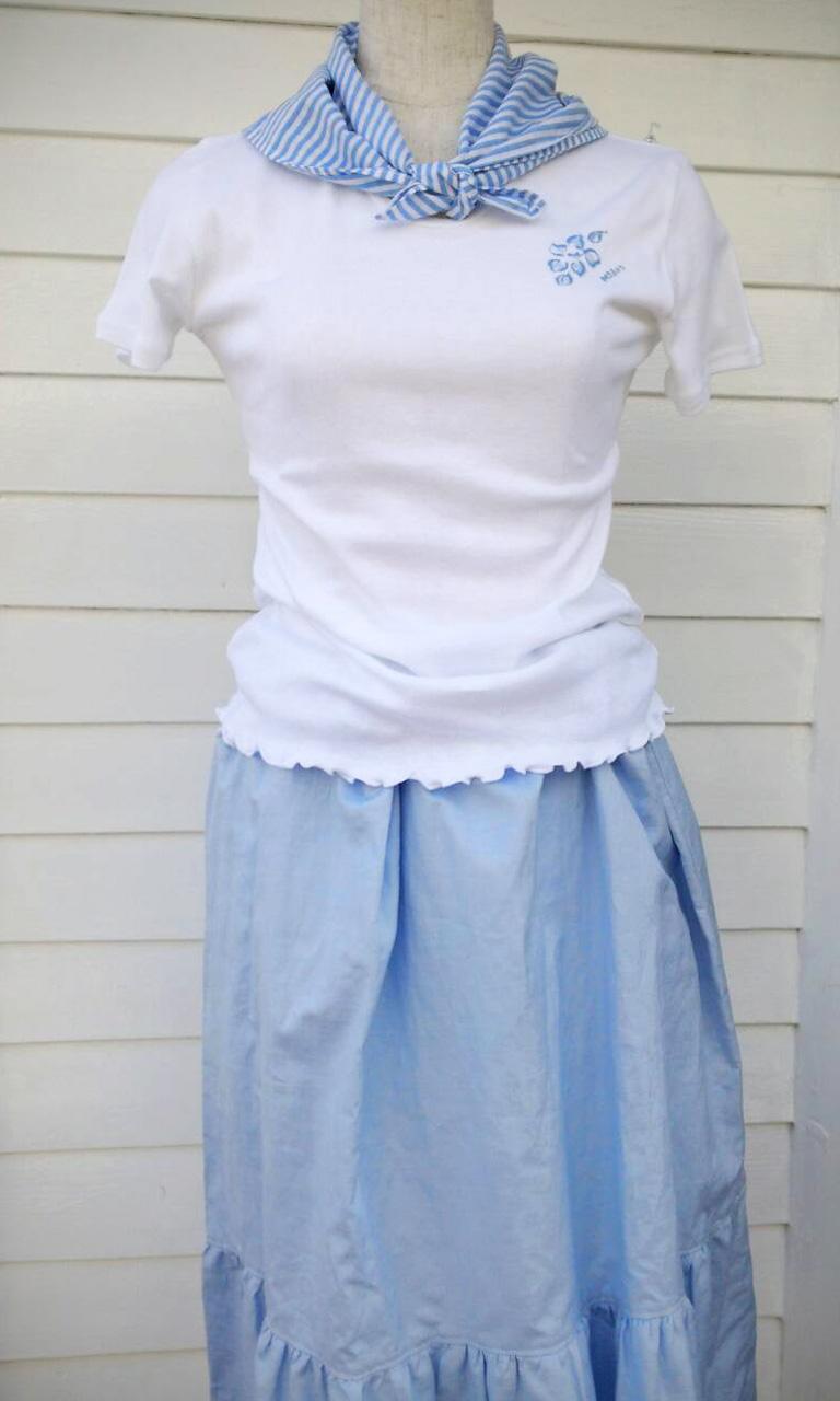 ホワイト×ブルースカート