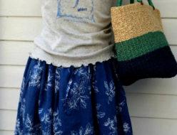 杢グレー×紺スカート