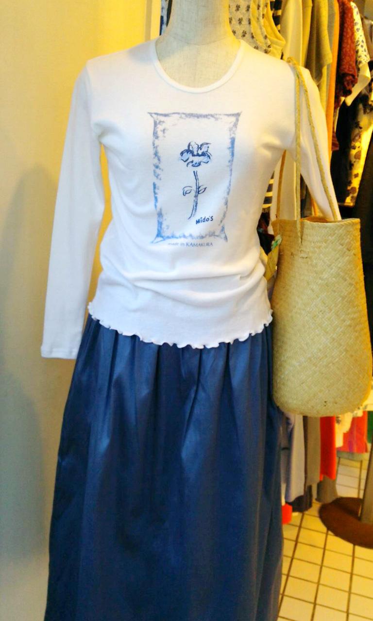ホワイト×ロングスカート