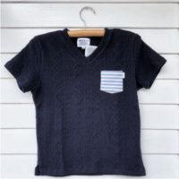ひと味違うネイビー 胸ポケット付VネックTシャツ